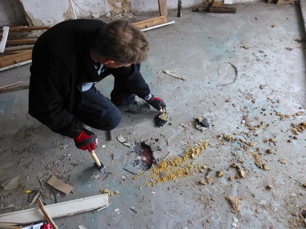 Schadstoffermittlung in der Bausubstanz, Gebäudebeprobung, Asbest, Schadstoffe im Haus,