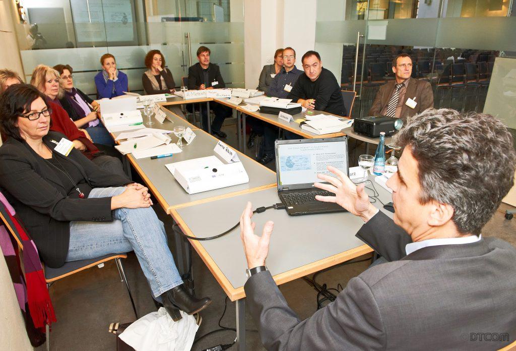 Dr. Dreschmann, Dreschmann Aachen, Peter Dreschmann, Gutachter Dreschmann, DTCOM GmbH, DTCOM Dreschmann, DTCOM Dreschmann, Technikkommunikation, technische Kommunikation, Wissenschaftskommunikation, Experte Dreschmann,