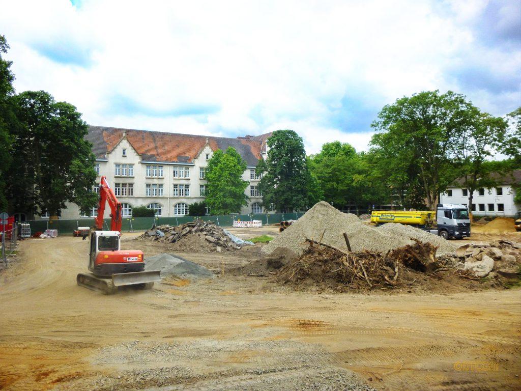 Baureifmachung, Flächenrecycling, Rückbau, Räumung von Altbestand, Sprengung, Planierung, Aufschüttung, Abbruch, Räumung, tragfähiger Baugrund,